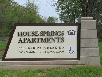 house-springs-monument-sign